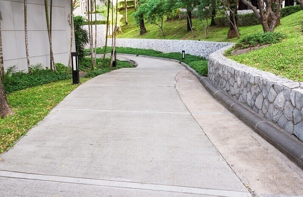 concrete sidewalk specifications